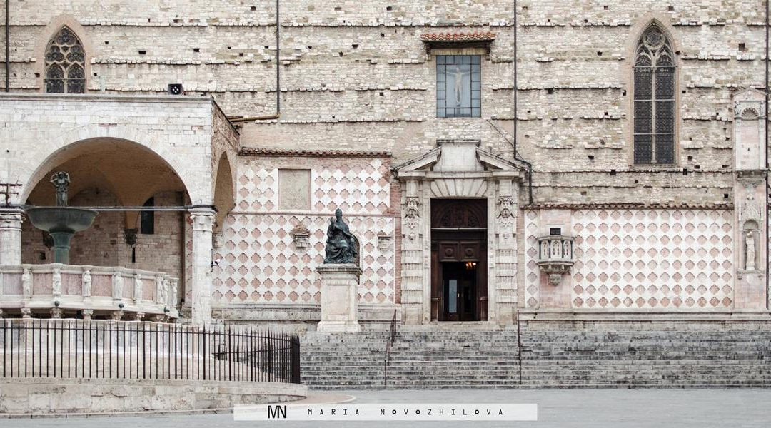 Traveling in time: Perugia's Piazza IV Novembre
