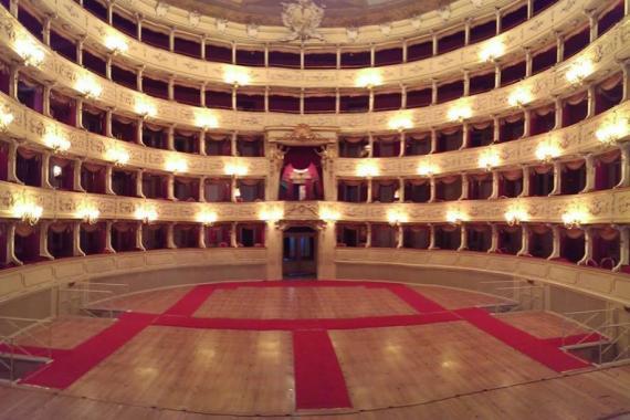 Tutta Colpa Della Luna: Teatro Sociale Di Como's Moon Inspired Season